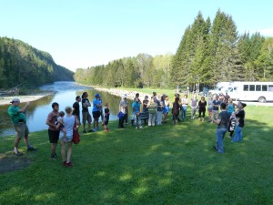 Sébastien Lavoie, directeur de la Société de gestion de la rivière Matane (SOGERM - ZEC de la rivière Matane) et lui-même nouvel arrivant, nous a ensuite parlé du saumon et de son importance dans la région.