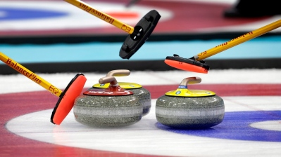 curling-brooms